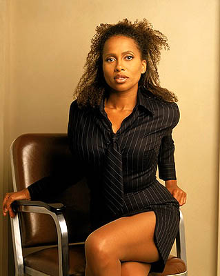 Lisa Nicole Carson (Renee Radick)